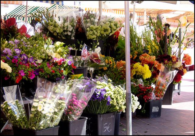 Flower market in Nice, Panasonic DMC-LS2
