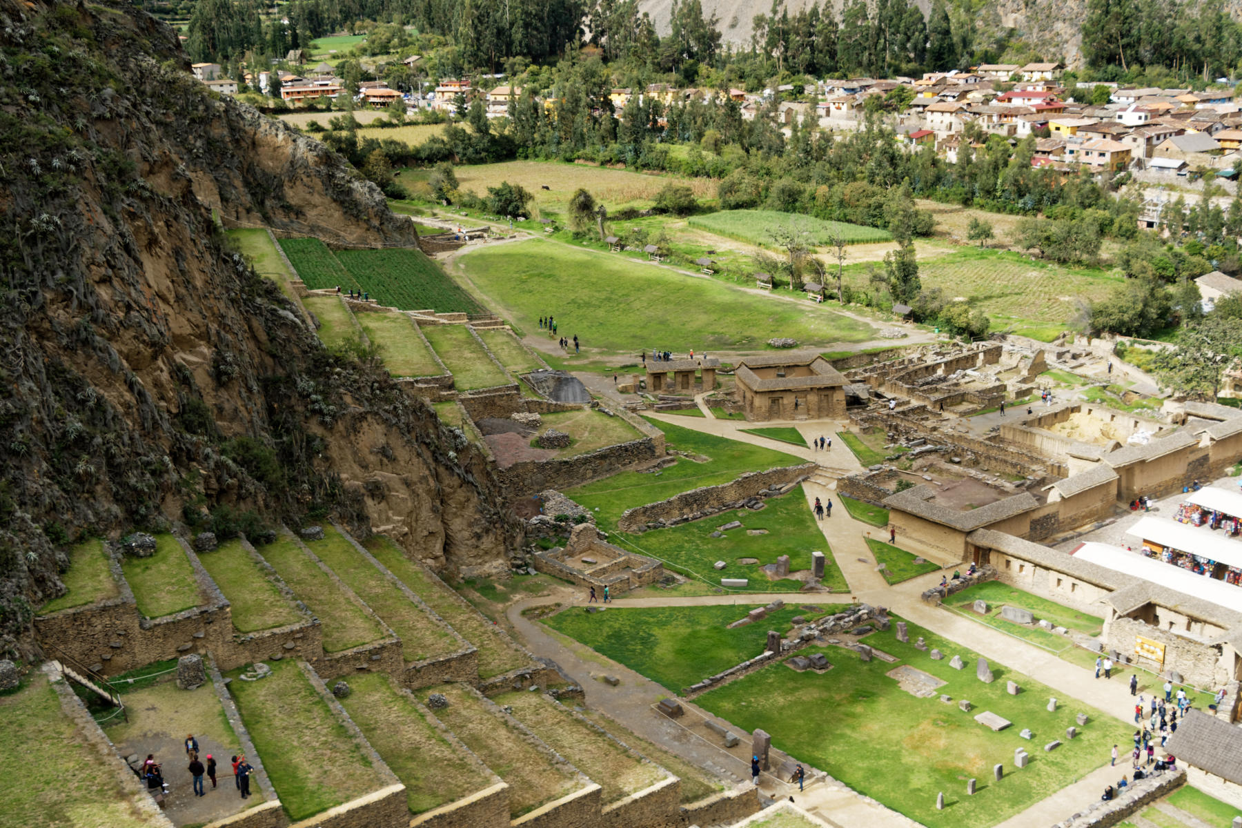 Ollantaytambo - view over the temple terraces