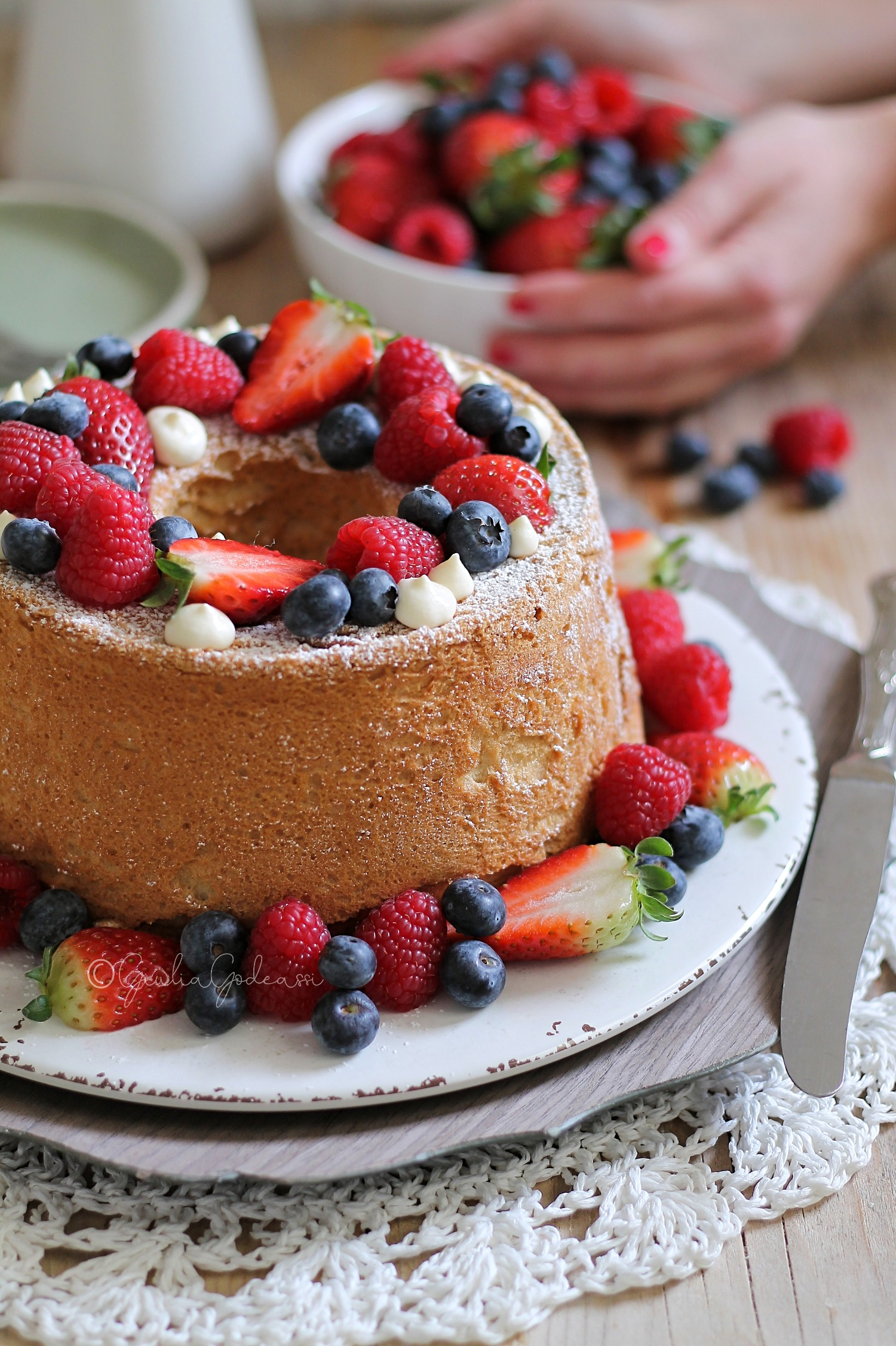ANGEL'S FOOD CAKE