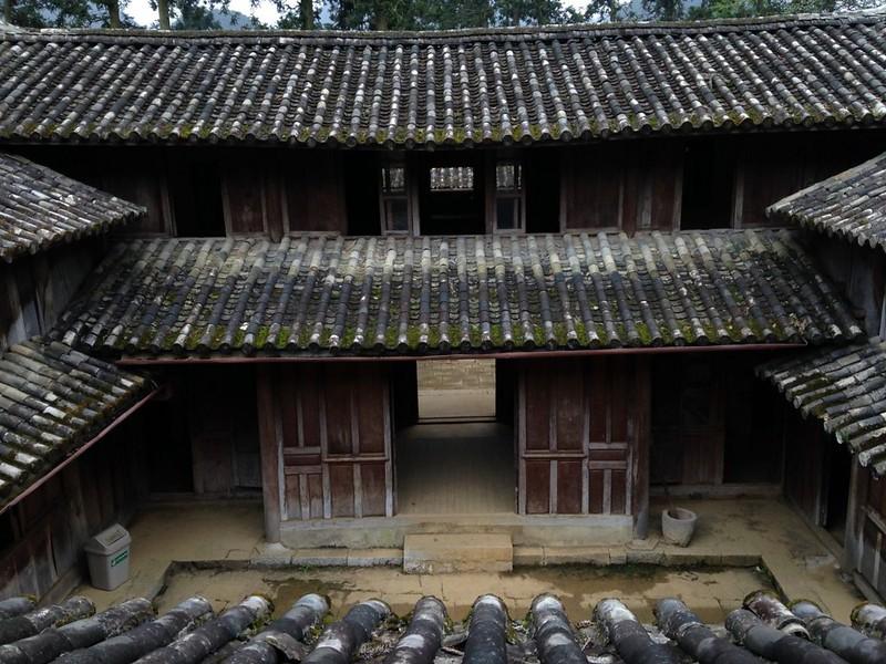 サフィン(Sa Phin)のマーケットとモン族王の館, 13