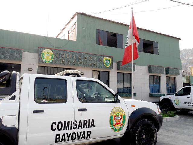 Efectivos de la PNP de la Comisaría Bayovar recibieron charlas informativas sobre servicios de salud de SALUDPOL