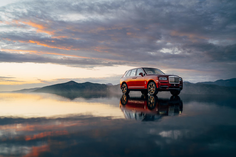 2019 rolls royce cullinan world premiere carbonoctane 6