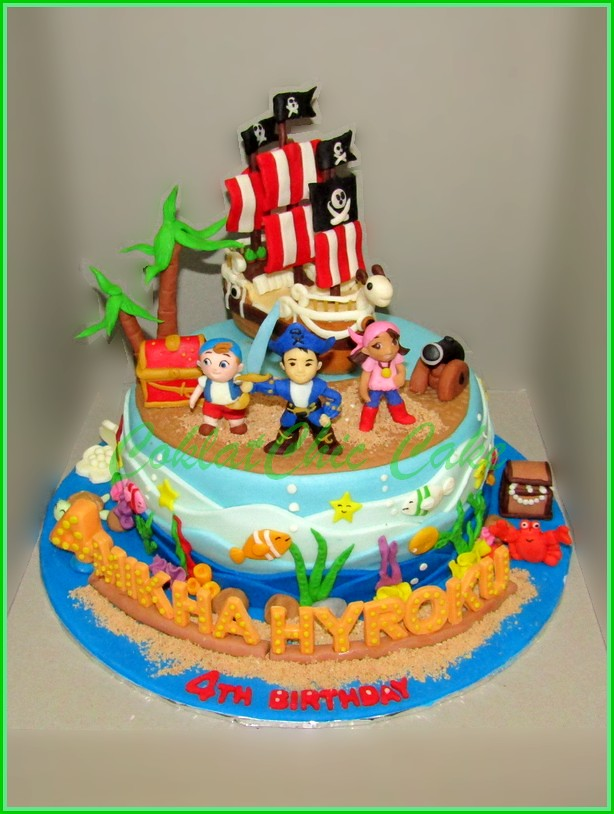 Cake Pirate MIKHA 18 cm