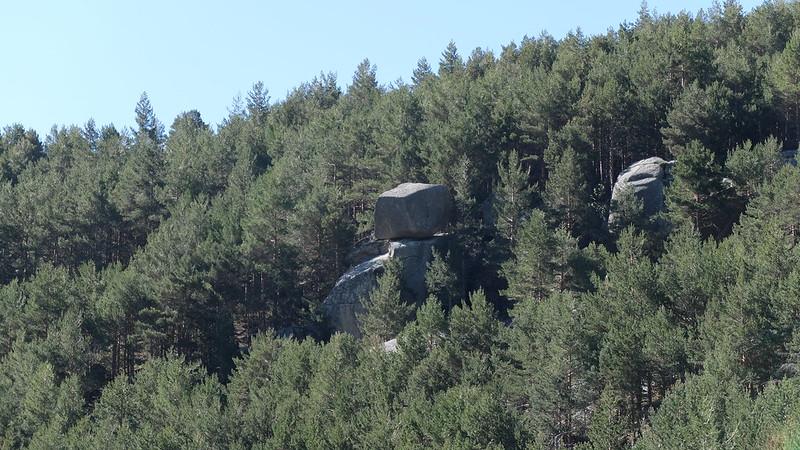 Grandes bloques de piedra apilados