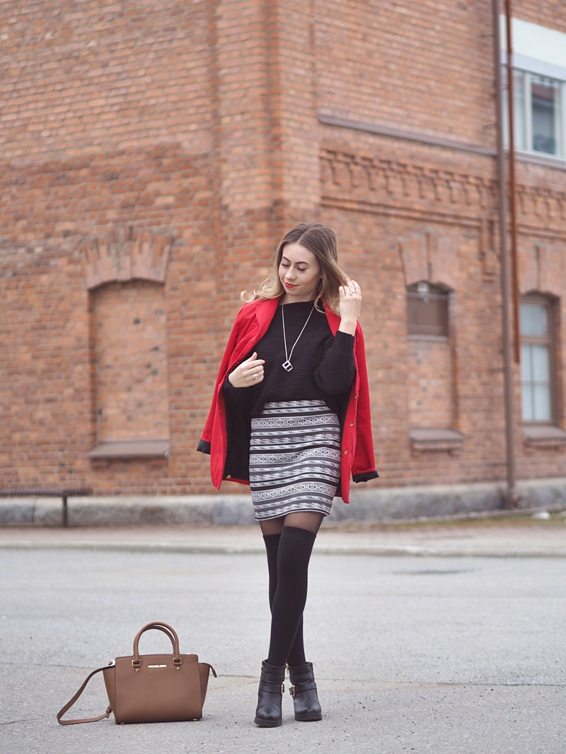 red coat outfit ideas