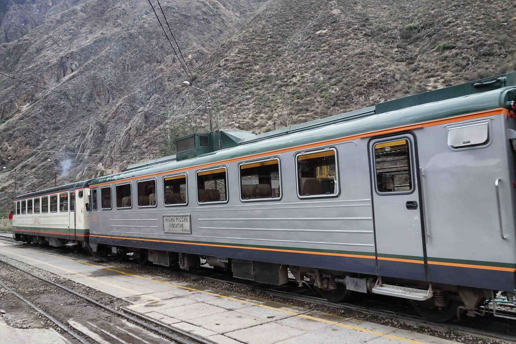 Cuzco - Machu Picchu - Train Ollantaytambo