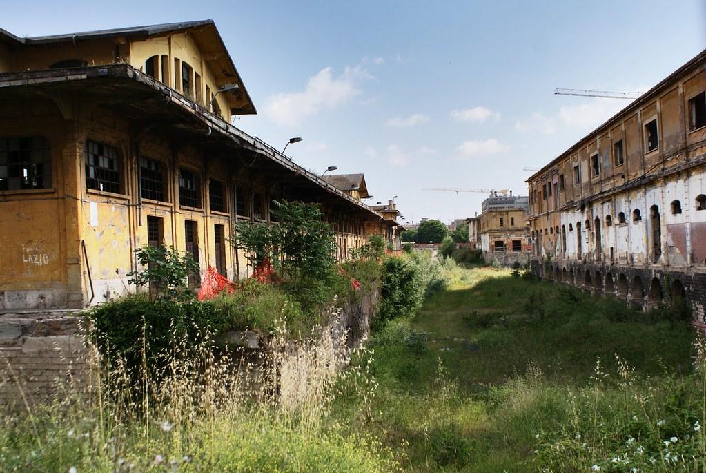 Friches industrielles dans le quartier Ostiense à Rome au sud du Testaccio.