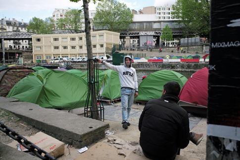18d27 La Chapelle Jaurès Campamento refugiados_0023 variante Uti 485