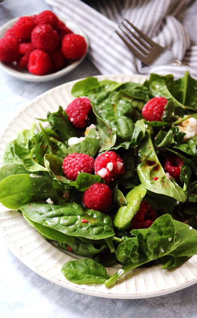 Simple Spinach Salad with Raspberries, Goat Cheese, and Balsamic Vinaigrette