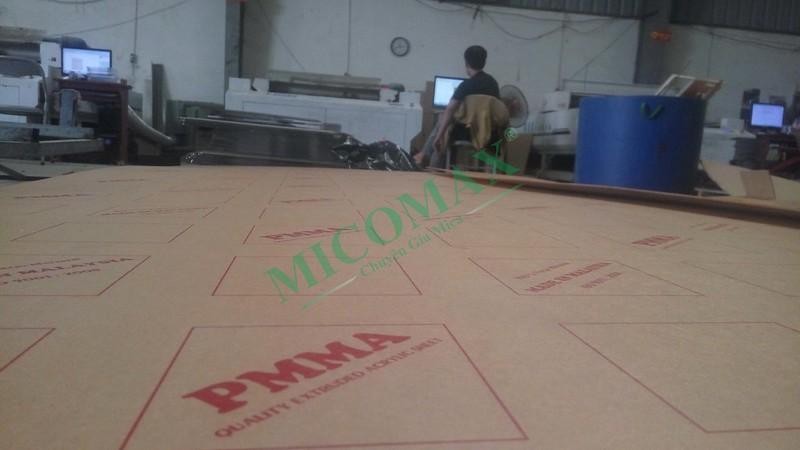 Máy cắt laser Mica khổ lớn 1325