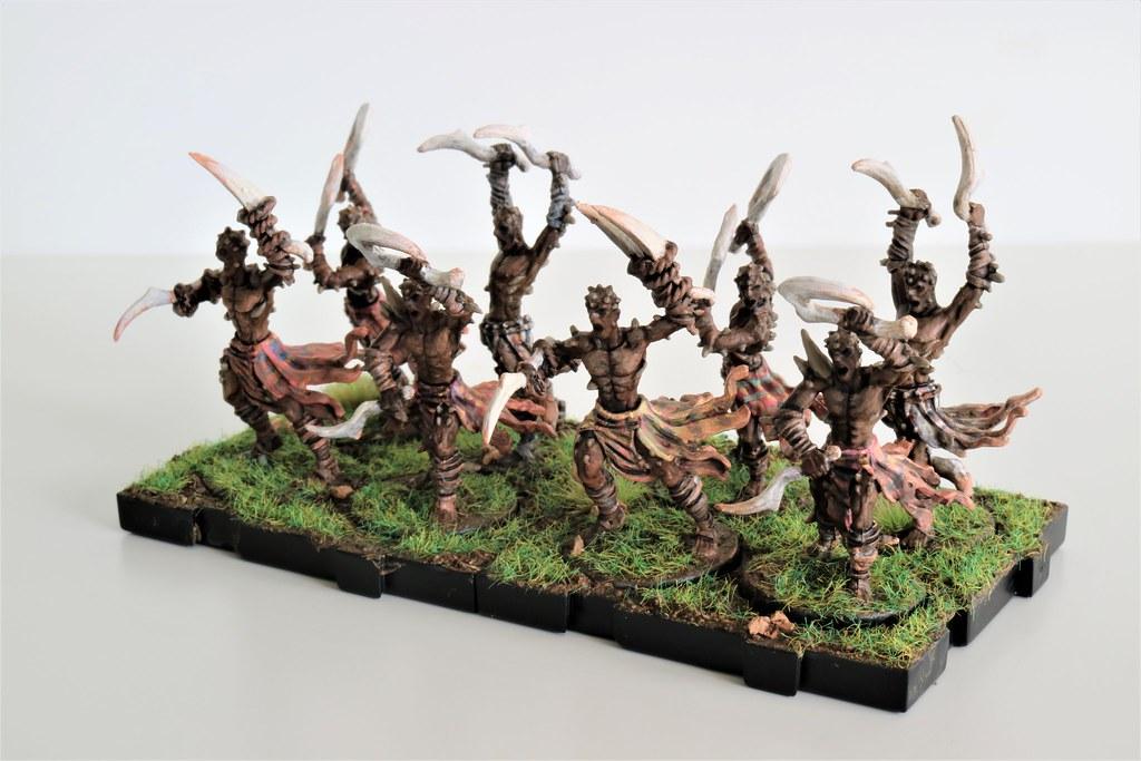 Runewars Miniatures Uthuk Y'llan Berserkers Front