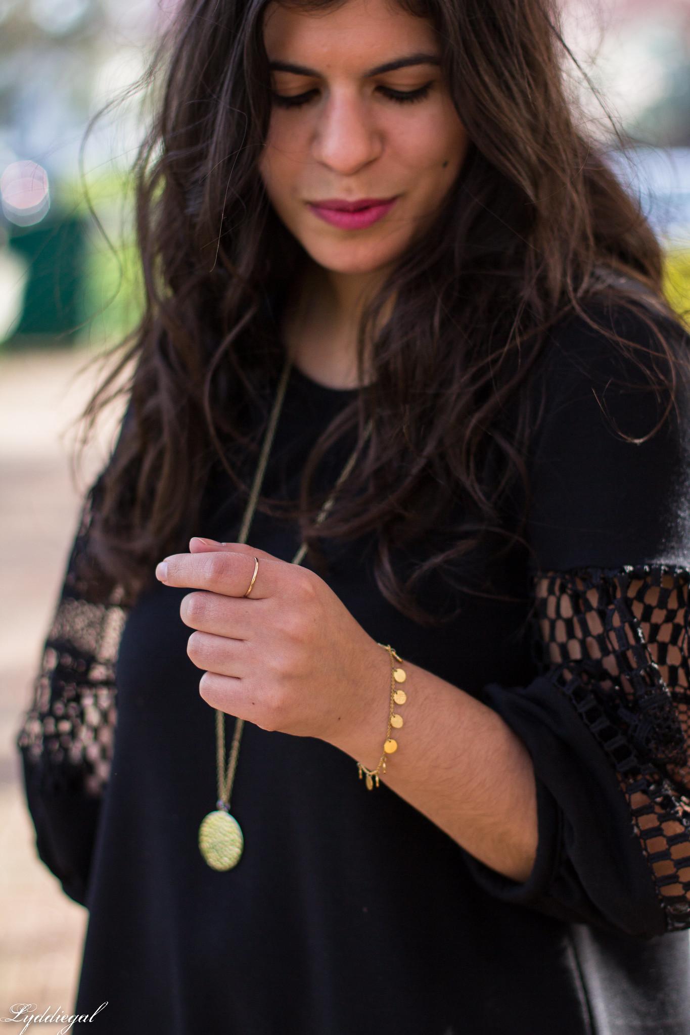 black dress, straw clutch, nude pumps-8.jpg