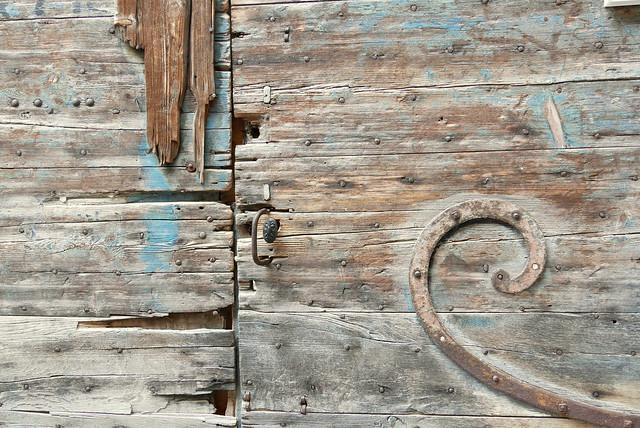 Old wooden door, Panasonic DMC-GX80, LUMIX G VARIO 14-140mm F3.5-5.6