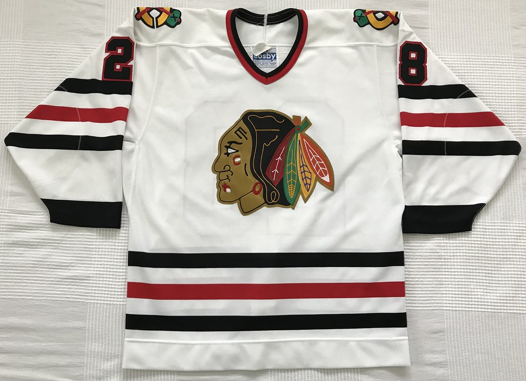 1988-89 Steve Larmer Chicago Blackhawks Home Jersey Front