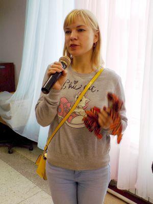Руководитель МОО «Молодая Гвардия» партии «Единая Россия» Анна Твердова поздравила присутствующих с фестивалем творчества