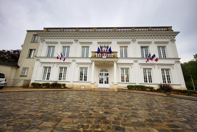 Mairie Saint-Rémy-lès-Chevreuse, Canon EOS 5DS, Canon EF 11-24mm f/4L USM