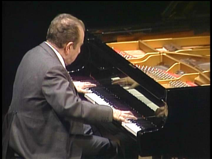 photo of pianist Claudio Arrau