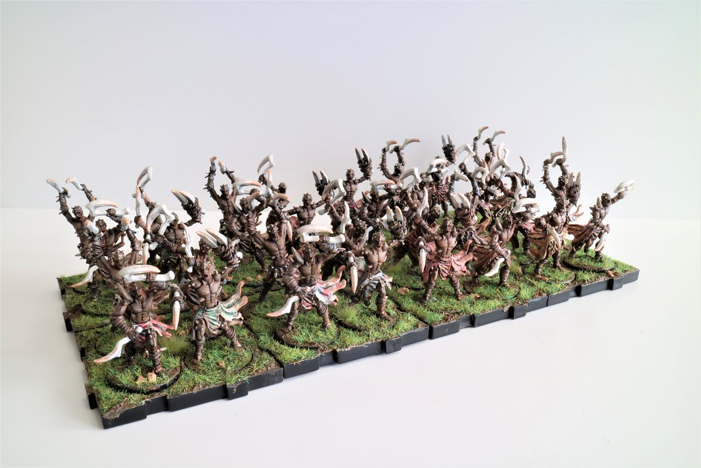 Runewars Miniatures Uthuk Y'llan Berserkers Army Front