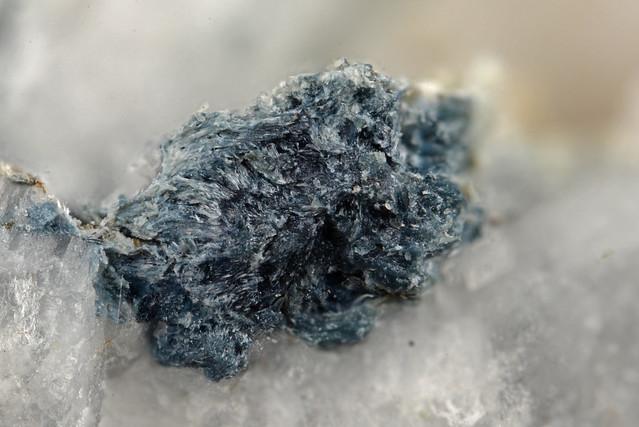 苦土リーベック閃石 / Magnesio-riebeckite