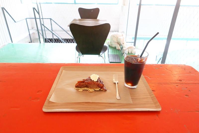 東京都荒川区西尾久の +h cafe アッシュカフェ