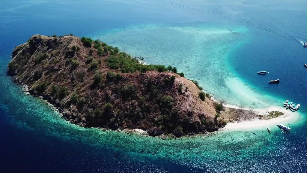 Kelor Island, Komodo, Flores