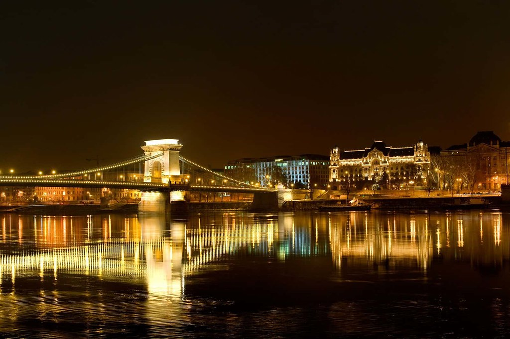 Budapest - The Most Romantic Honeymoon Destinations in Europe (planningforeurope.com) (4)