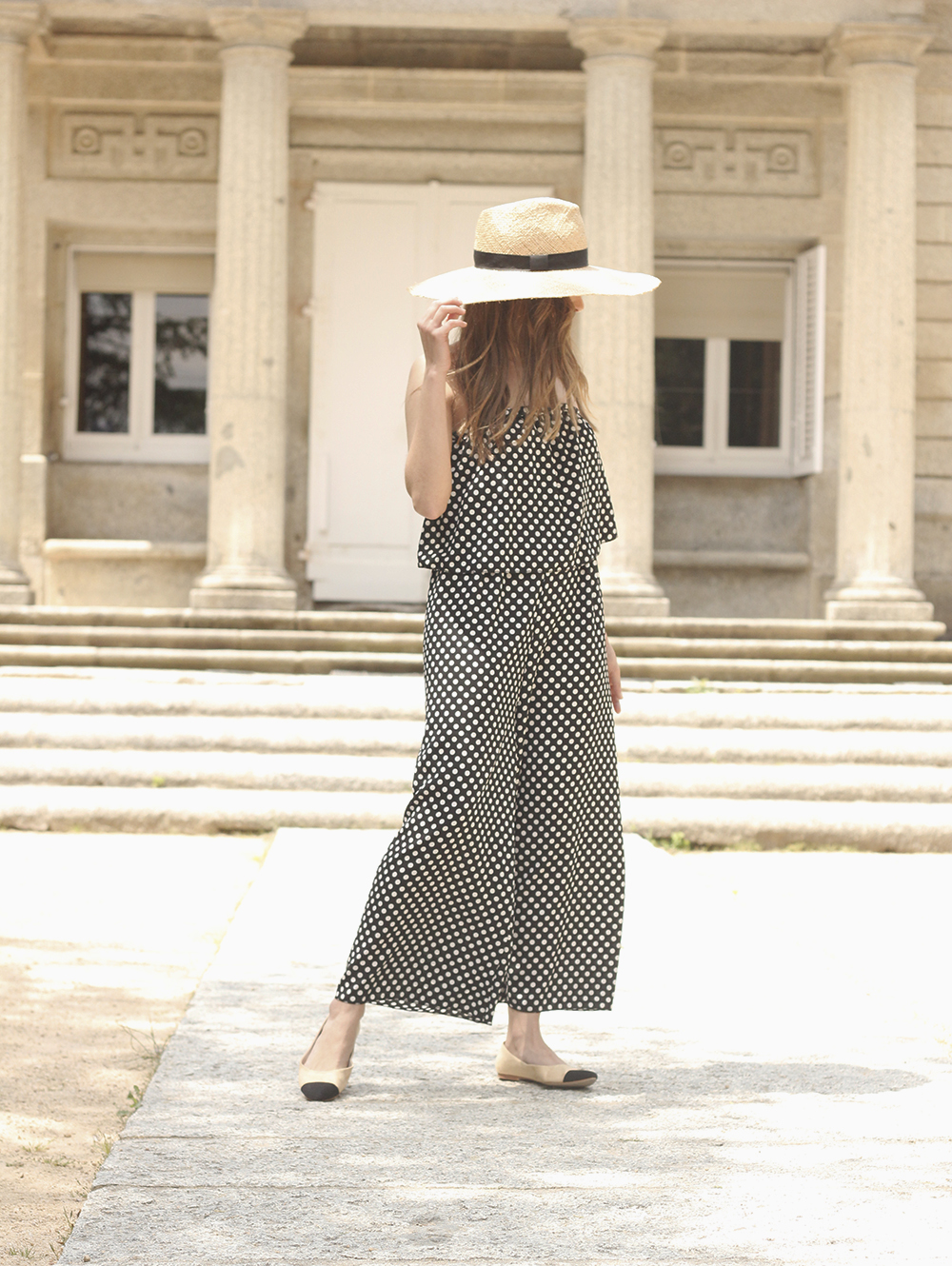 polka dot jumpsuit straw hat flat shoes street style spring outfit 201803