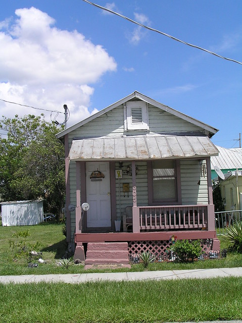 Shotgun House | Small shotgun style house in Tampa. These ...