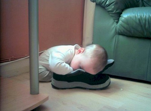 sleeping-baby-shoe