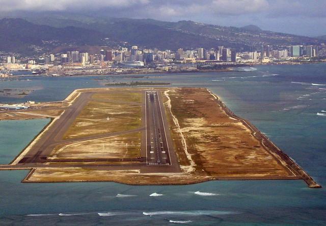 Honolulu, HNL runway 8R