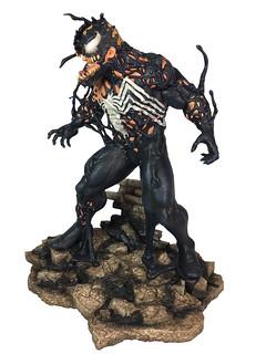 顫慄的變身過程立體化!! Diamond Select Toys Marvel Comics【猛毒】Venom 全身雕像作品