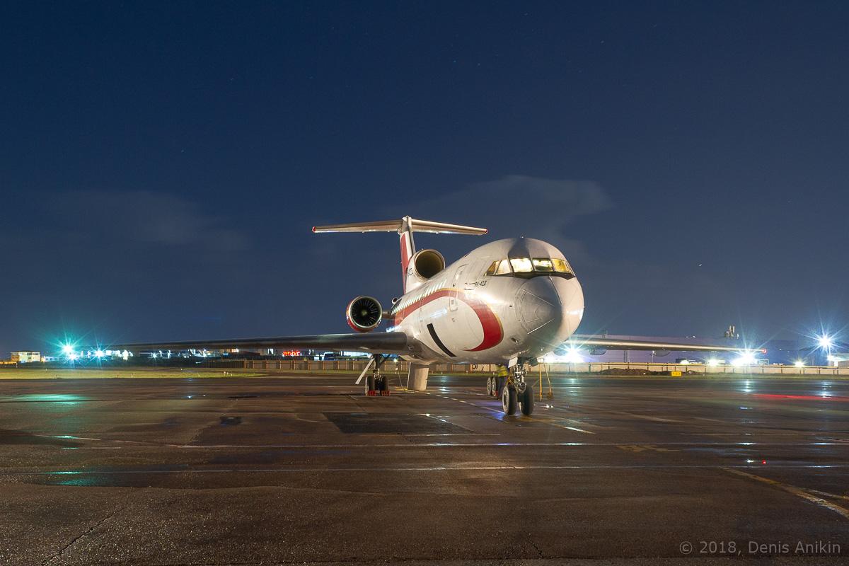 Як-42 ночью фото 3