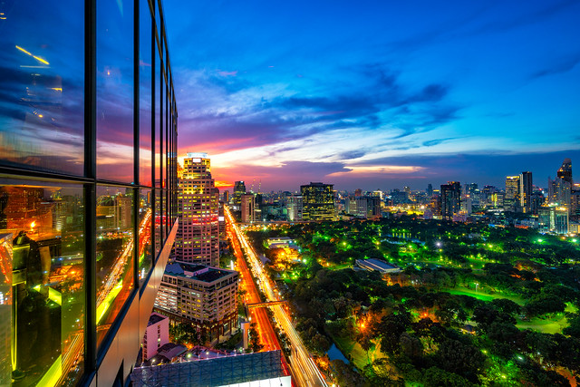 Sunset scence of Bangkok, Sony ILCE-7RM2, Sony FE 16-35mm F4 ZA OSS