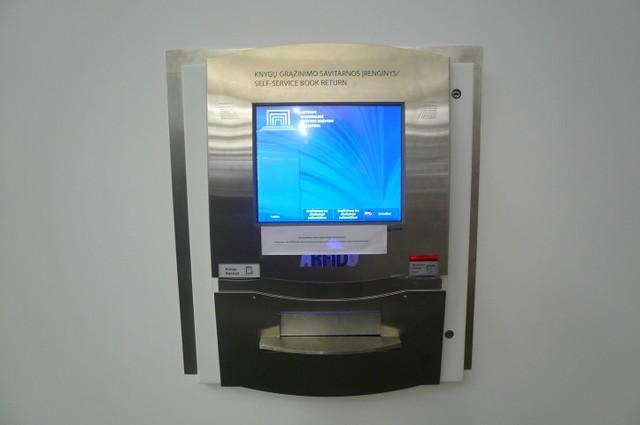 P1620365