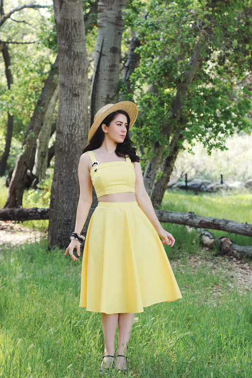 Collectif Vintage Giorgia Plain Top in Yellow Collectif Vintage Matilde Plain Swing Skirt in Yellow Deer Arrow Freddie the Sailor Brooch