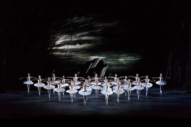 Artists of The Royal Ballet in Swan Lake, The Royal Ballet © 2018 ROH. Photograph by Bill Cooper