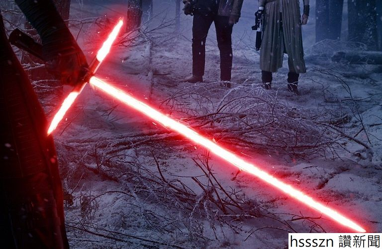 Crossguard_lightsaber_768_500