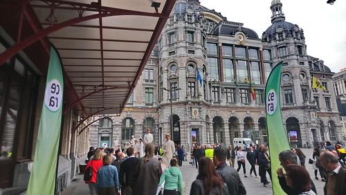 L2: Vrijdagse markt en kunstenaars op het groene pleintje