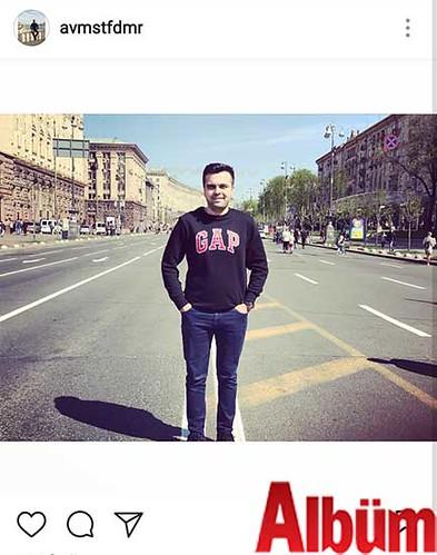 Avukat Mustafa Demir, Ukrayna Kiev gezisinden paylaştığı bu fotoğrafla beğeni topladı.