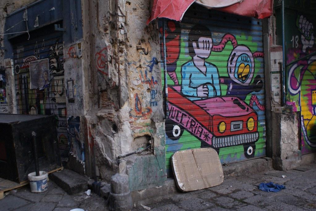 Street Art sur une vitrine de la Vucciria à Palerme.
