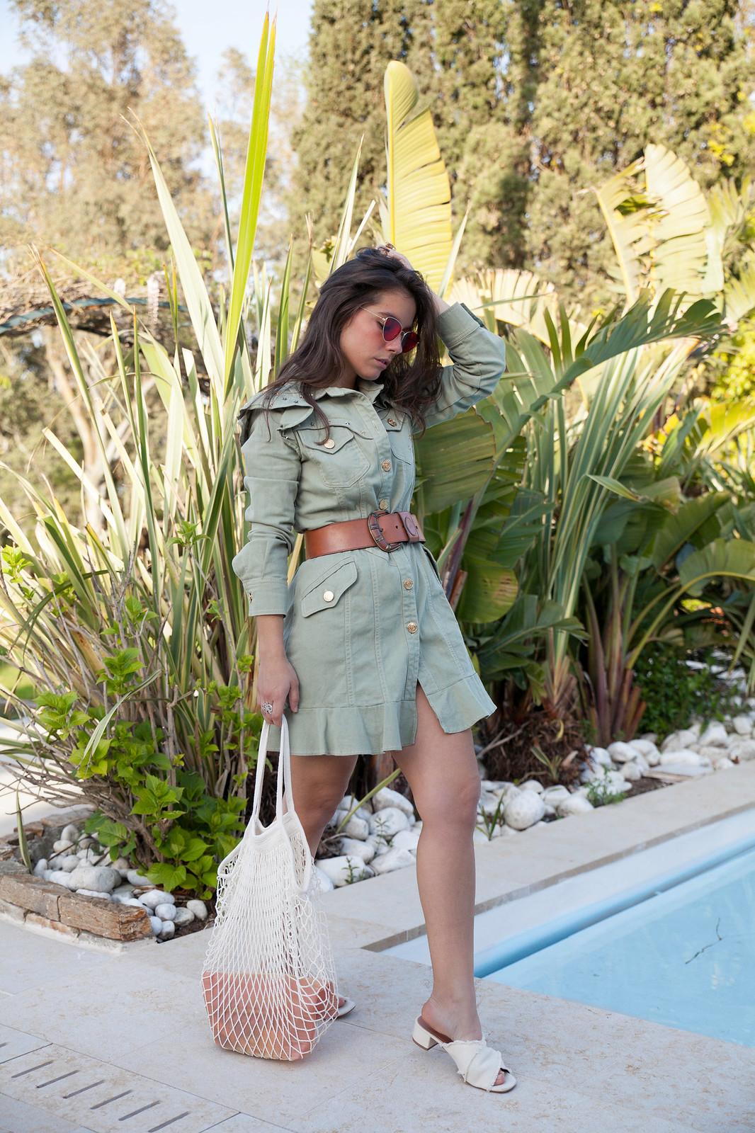 vestido verde militar de moda bolso de rejilla influencer mango theguestgirl highly preppy fashion blogger