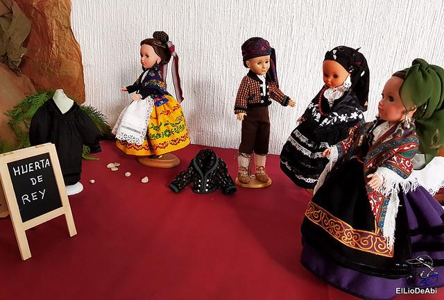 Colección en miniatura de los trajes tradicionales en la provincia de Burgos  (8)