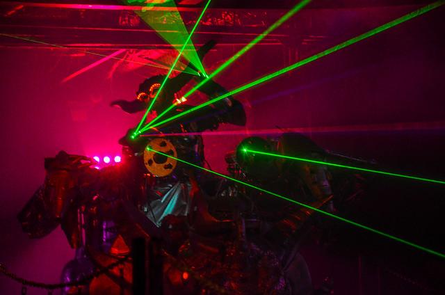 Robot Restaurant green lights