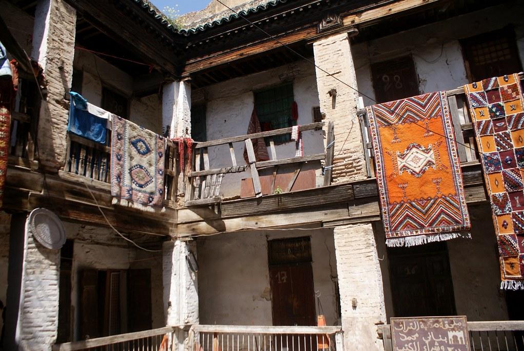 Fondouk près de la mosquée Karaouiyne à Fès.