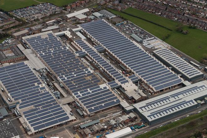 賓利汽車打造英國最大規模太陽能發電停車場 (1)