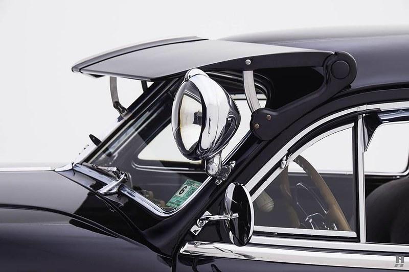 Buick Roadmaster Sedanette 1946