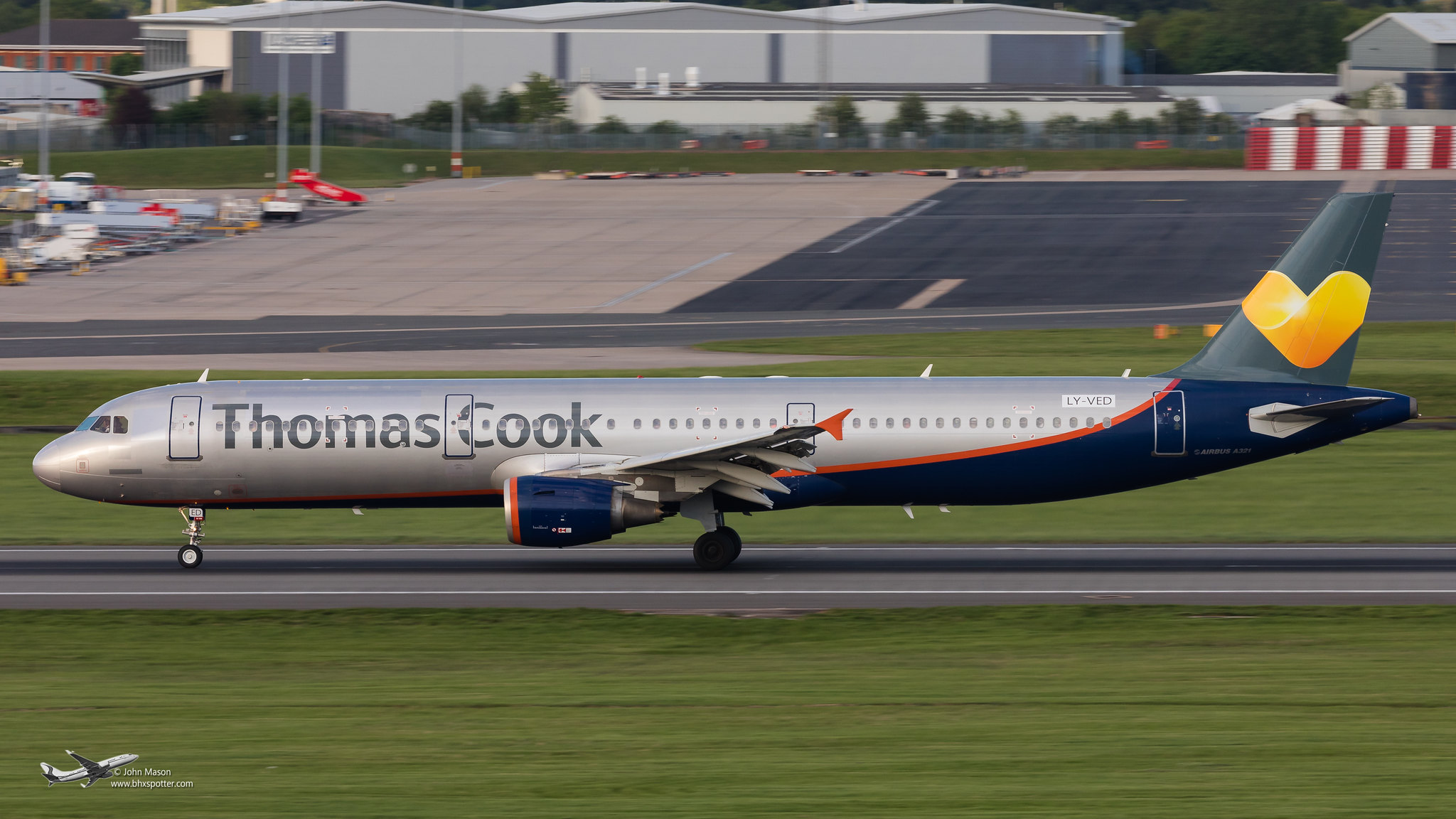 LY-VED A321 THOMAS COOK.