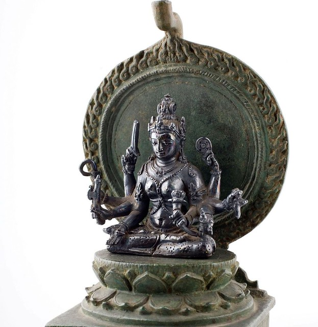 A bronze image of Mahapratisara from Central Java, c. 9th century. © Museum of Ethnology in Leiden, item no. RV-1630-18