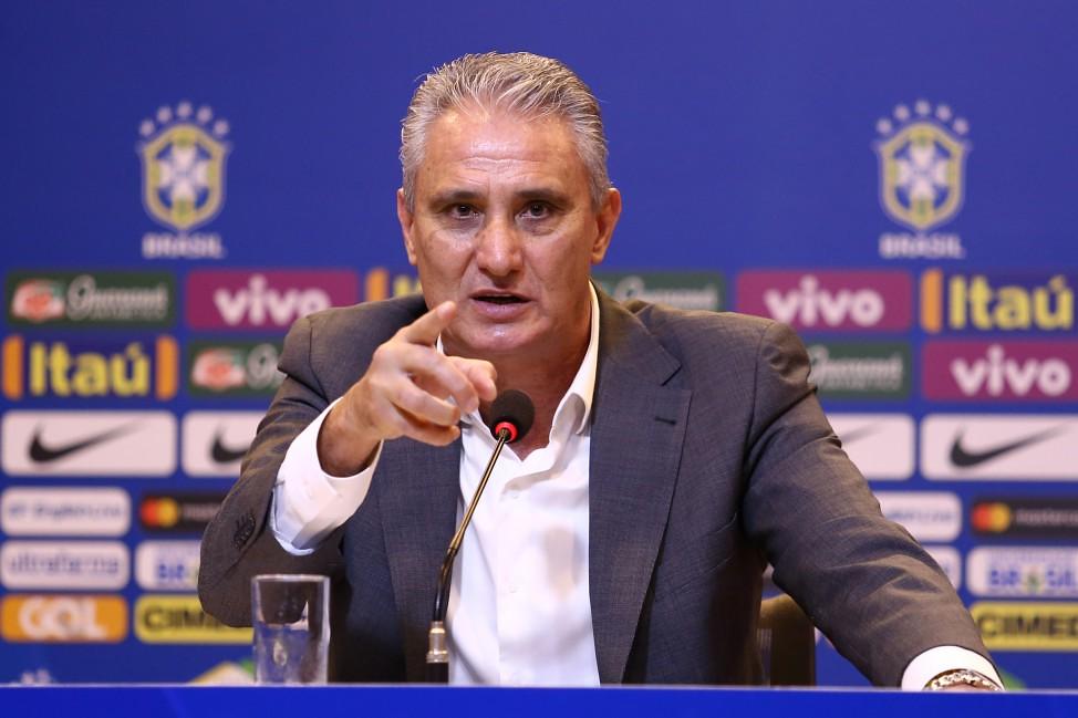 Tite convoca da seleção para Copa; Danilo deve assumir vaga de Daniel Alves, Tite, técnico da seleção brasileira