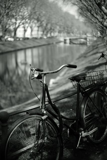 bike with bokeh@Kö, Düsseldorf 7